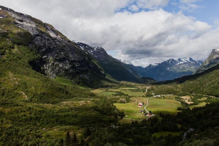 Mountain road south of Geiranger