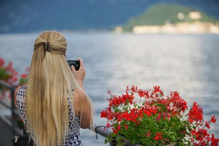 Lake Como tourist