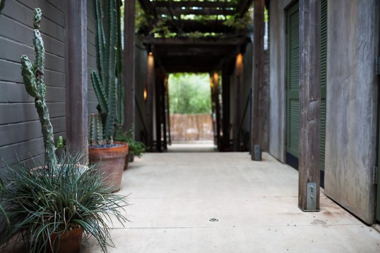Hotel San José Austin pathway