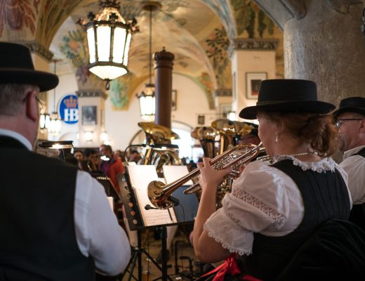 Hofbräuhaus am Platzl band playing