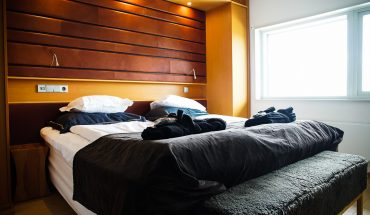 Copperhill Mountain Lodge Copper Suite master bedroom
