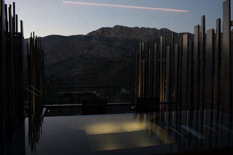 VIVOOD villa infinity pool by night